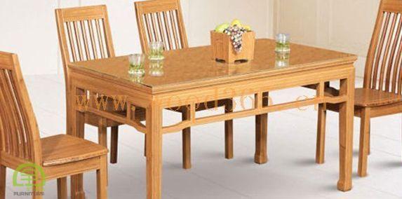 家具是指以竹集成材板材为基材的一类家具。有些竹集成材家具竹集成材的旋切单板材、径面材、弦面材、端面材或它们的组合材作为覆面装饰材料,并将这些材料有意识的运用到不同的家具或不同的家具部件中。  由于竹集成板材幅面大、强度高,可加工制成会议桌等大尺度家具。重竹家具以其美观,稳重的外观,以及持久耐用,日久弥芳的品质受到市场的认可和消费者的喜爱。 《桃花江手机官网首页》