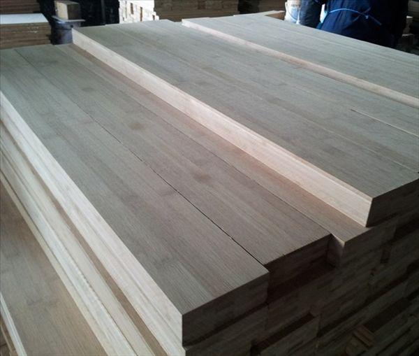 作为结构材使用时竹材产品比木材产品体积小.